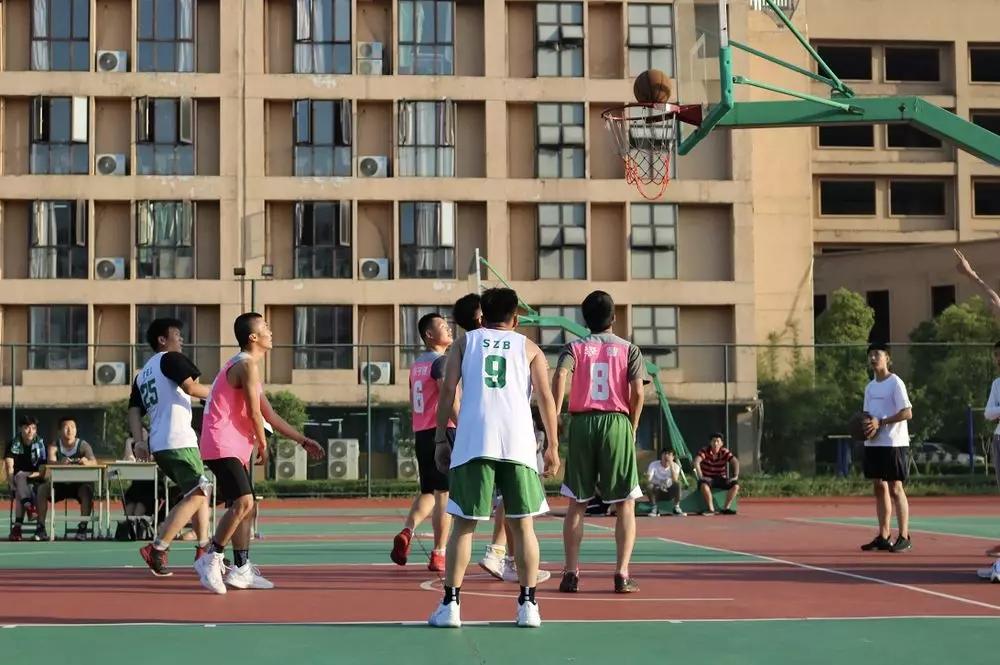 江西泛美艺术中专学校校园文化节之3V3篮球赛
